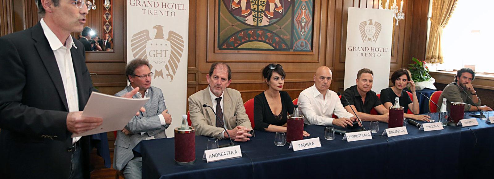 Il cast presenta alla stampa Maldamore - Trentino Film Commission f378afc4cd7