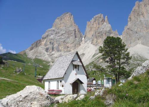 Chiesa Passo Sella