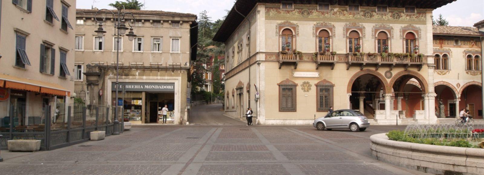 Rovereto - Piazza Rosmini
